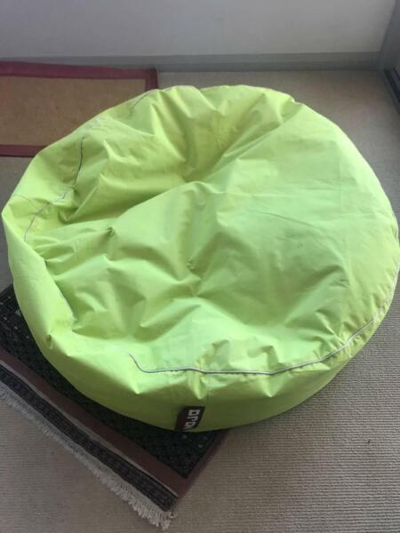 Swell Mojo Bean Bag In Good Condition Other Furniture Gumtree Unemploymentrelief Wooden Chair Designs For Living Room Unemploymentrelieforg