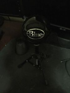 Blue Snowball Microphone - Good Condition