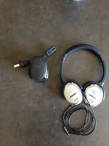 Bose QC-3 quiet comfort noise cancelling headphones
