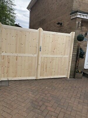 LODGE STYLE DRIVEWAY 8ft Wide X 6ft High.    Can Be Made Any Size Just Ask