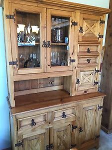 Buffet and hutch (2pieces)antique look, wood or display cabinet