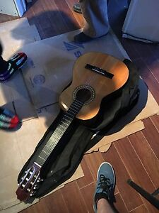 New Guitar in need to sell