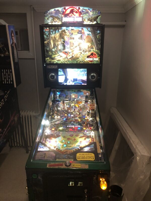 STERN JURASSIC PARK LE PINBALL MACHINE WITH STERN TOPPER AND SHOOTER