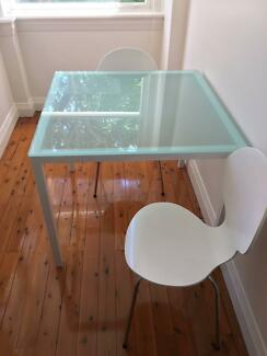Freedom Glass Table and Chairs in great condition!