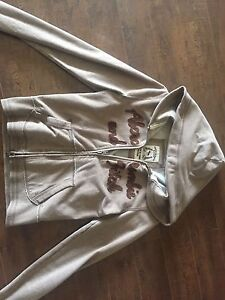 Women's Abercrombie & Fitch sweater
