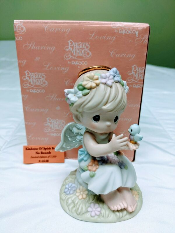 Precious Moments Figurine-Kindness Of Spirit Knows No Bounds #114028: Pre-Owned