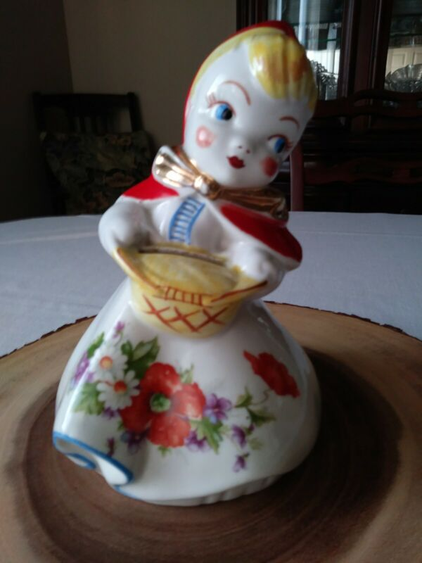 VINTAGE HULL REGAL LITTLE RED RIDING HOOD STANDING BANK