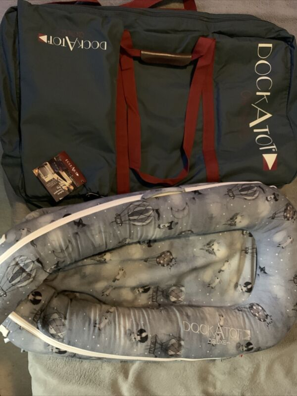 Dock A Tot Deluxe Plus Baby Dock + Hardly Used & Clean & Deluxe Transport Bag
