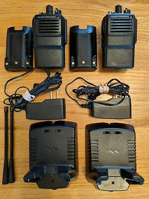 2 Vertex Vx-821-g7-5 Uhf Two-way Radios. 5 Watt 16 Channels