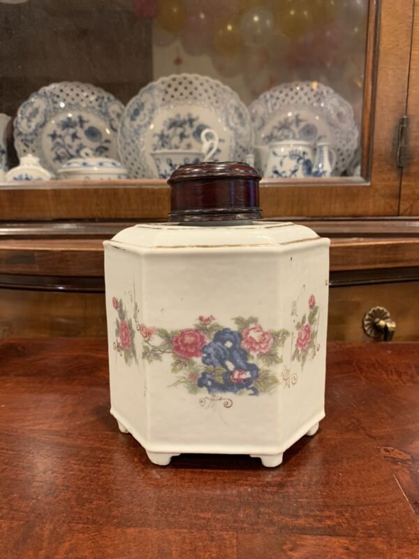 Antique Chinese Export Porcelain Tea Caddy with Wood Lid