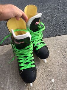 Youth Hockey Skates - Size 5