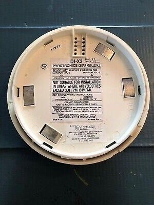 Fire Alarm - Pyrotechnics Di-x3 Smoke Detector Used - Reduced