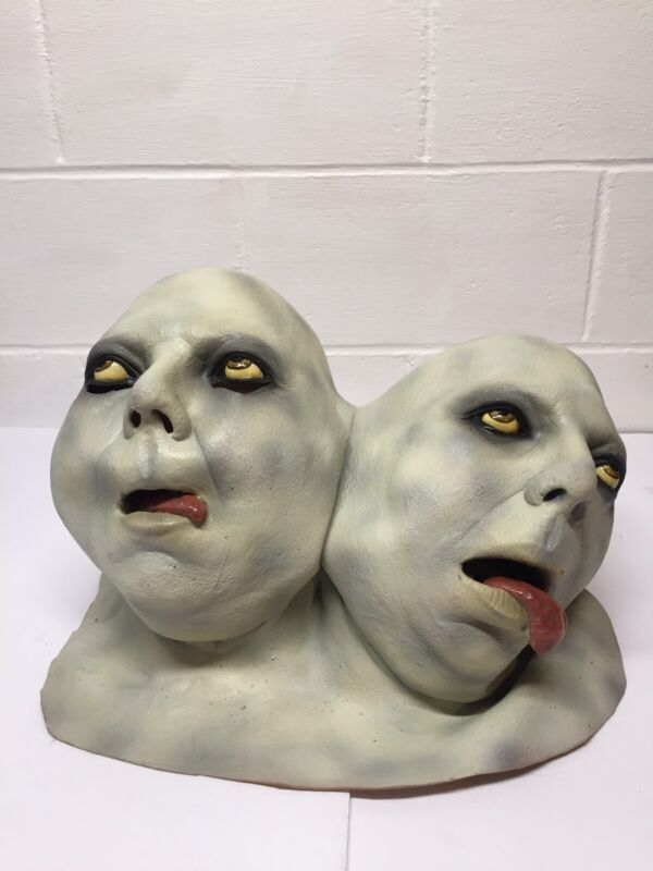 1997 Ilusive Concepts Large Creepy 2 Headed Mask Paper Magic Group