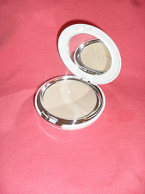It Cosmetics Celebration Foundation Illumination Pressed Powder Tan 0 30 New
