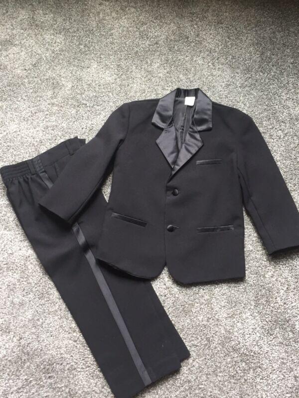 Boys Black Tuxedo Sz 5
