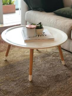 Rounded White Coffee Table w/ Wooden Legs