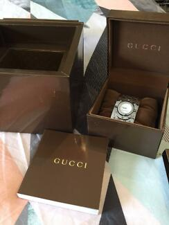 GUCCI WHITE TWIRL WATCH Wetherill Park Fairfield Area Preview