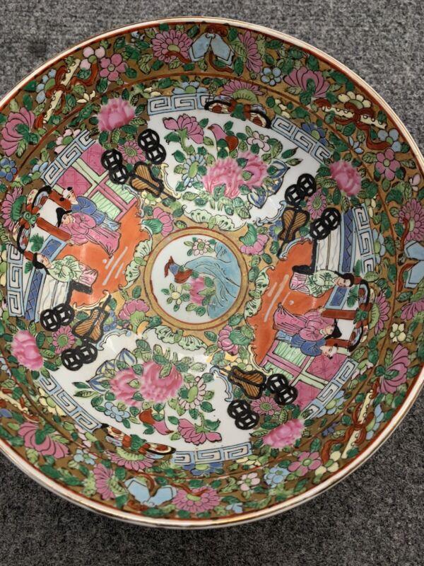 Vintage rose medallion Famille Rose bowl