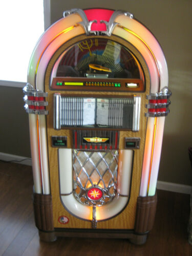 ROCKOLA JUKEBOX-2012-NEWEST ON E-BAY! 100 CD+REMOTE-WURLITZER 1015 STYLE-1 OWNER