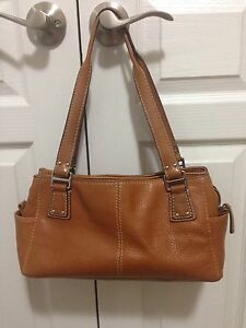 Fossil Leather Purse Excellent Condition