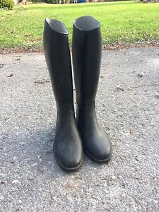 Horse back ridding boots and pants