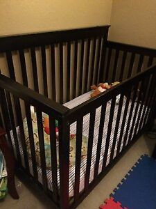 CONVERTIBLE CRIB SET