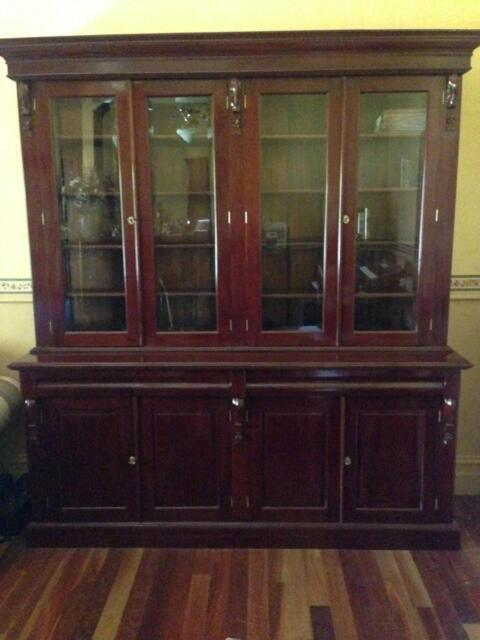 Solid mahogany display cabinet cabinets gumtree for Kitchen cabinets gumtree