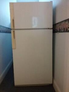 Westinghouse Fridge/Freezer 520 litre Mole Creek Meander Valley Preview