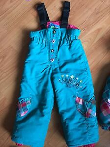 Snow suit gagou tagou toddler girl 2 years old  West Island Greater Montréal image 2