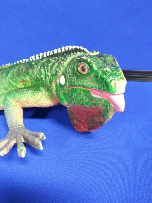 1999 TM Monitor Lizard Green Dragon Sifi PVC figurine