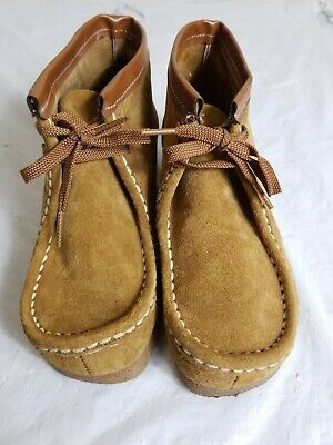 Hush Puppies Boys Bridgeport Boots US  Taupe Suede Chukk 41257 Sz. 1 W