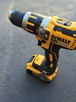 Dewalt hammer drill with battery 4.0 ah 18v brand new Casula Liverpool Area Preview