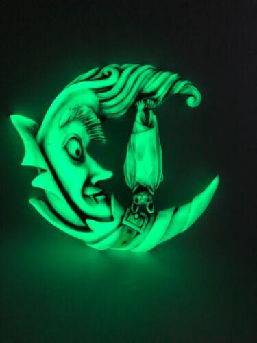 Neil Eyre EyreDesigns Vampire Dracula Cape Fang Bat Moon Display GLOW IN DARK