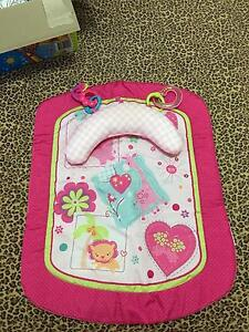 Girls tummy time mat , excellent condition Highland Park Gold Coast City Preview