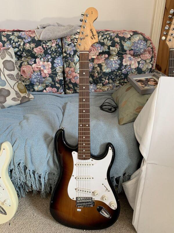 Squier Stratocaster Electric Guitar Sunburst Affinity Series (2002)