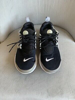Nike Trainers. UK Size 4.5 Running Trainers