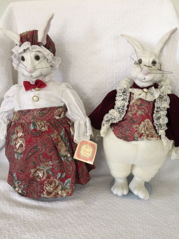 1991 English Manor Mr & Mrs Rabbit on stands - So adorable!!