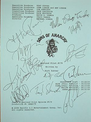 Sons of Anarchy Signed TV Pilot Script Katey Sagal Charlie Hunnam Ron Perlman rp