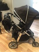 Silvercross Pram comes with all accessories Carlton Melbourne City Preview