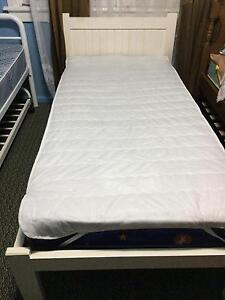 Solid timber single bed in good condition Macquarie Fields Campbelltown Area Preview