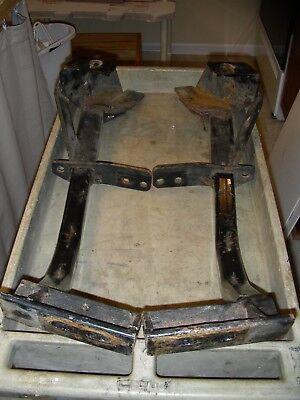 - Roadmaster Crossbar Tow Bar Base Plate Mounting Kit, For Taurus