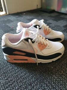 Ladies / Nike Shoes / Air Max / Size 9 / Brand New