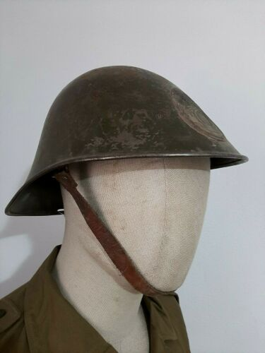 Romanian helmet M39 with King Carol