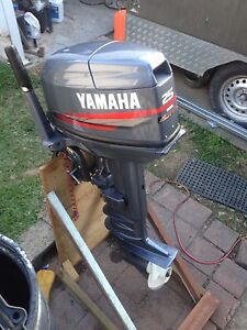 Wanted 25/30hp Yamaha powerhead for outboard Molendinar Gold Coast City Preview
