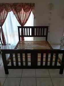Free delivery solid wood queen size bed frame Eastgardens Botany Bay Area Preview
