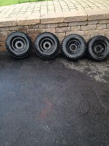 4 pneus de vtt avec jantes