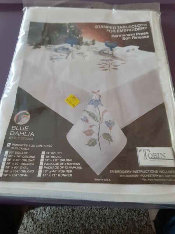 Tobin Stamped Tablecloth For Embroidery - Blue Dahlia 50x70 sealed no threads