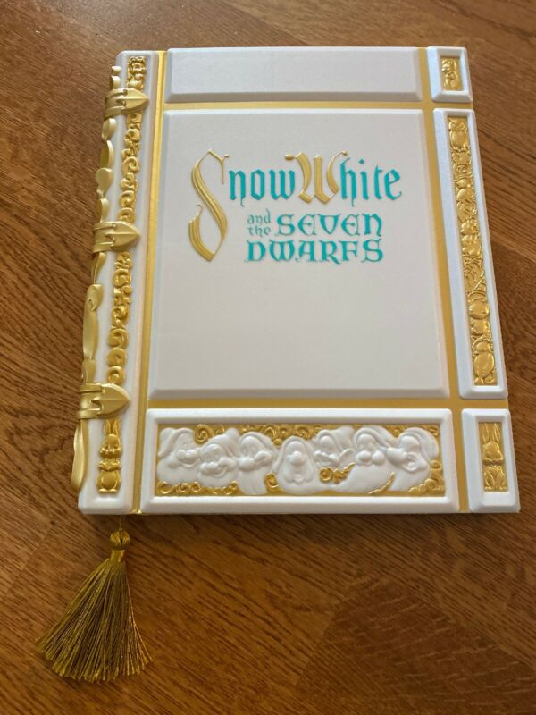 New Disney Store Snow White Storybook Replica Journal Notebook Notepad 2020