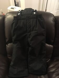 Oshkosh snow pants size 5