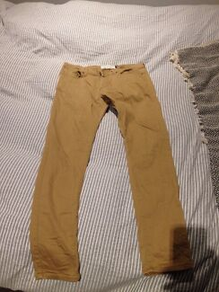 """Mustard colour jeans slim/skinny 32"""" Braddon North Canberra Preview"""